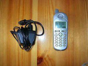 Siemens  C35 - silber (Ohne Simlock) Handy mit Ladegerät.