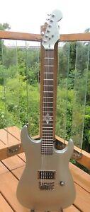 2003 Fender Showmaster Celtic Limited Edition Electric Guitar Super Clean w/HSC
