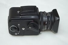 Hasselblad 501 C - Complete in mint condition 80mm CT lens 12 on magazine