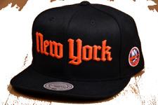 New York Islanders Hat Mitchell & Ness NHL Gothic Black Adult Snapback Cap