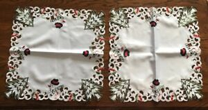 """NEW CHRISTMAS TREE SQUARE TABLE TOPPER 20"""" Wimpole Street Creations"""