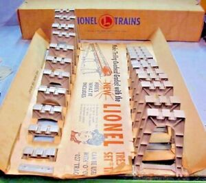LIONEL TRAIN #110 - GRADUATED TRESTLE SET - ORIGINAL 1955-1969- VERY GOOD+ BOXED