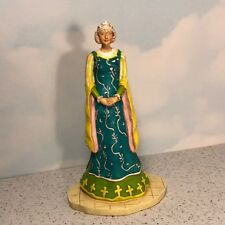 LADY OF THE CROSS FIGURINE GREEN YELLOW DRESS RELIGIOUS SPIRITUAL QUEEN STATUE
