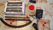 Modellismo dinamico: locomotrice e vagone in scala N, funzionamento analogico.