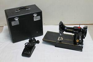 Singer Featherweight Sewing Machine 221K w/Original Case & Pedal NICE