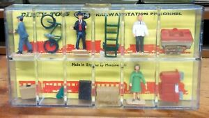 HORNBY DINKY DUBLO 'OO' 054 RAILWAY STATION PERSONNEL (QTY 1) - NEW OLD STOCK