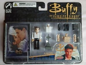 Buffy The Vampire Slayer PALz Figure ANGEL + Card, Previews Exclusive, Sealed!