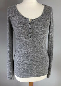 HOLLISTER Size M Light Grey Slim Fit Knit Top Blouse Long Sleeve Autumn Winter