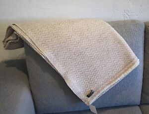 100% Cashmere|4 Ply|Natural|Throw/Shawl|Hand Loomed|Nepal|2 Color|Taupe/Tan
