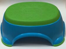 Kids step stool by Kids Ii in green and blue colors
