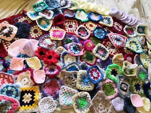 150x HUGE job lot Vintage Handmade  Crochet Granny Squares  Throw Blanket Loose