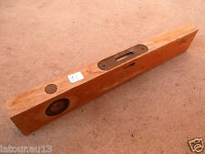 n° 12 ) outil ancien, niveau en bois de menuisier, collection , déco