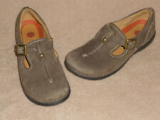Clarks Ladies Shoes brown suede leather t strap Structures EUC size 5