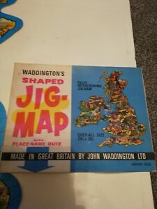 WADDINGTONS VINTAGE JIG MAP JIGSAW of BRITISH ISLES..No.560..2 PIECES MISSING