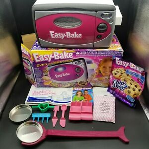 Vintage Hasbro Easy-Bake Oven & Snack Center Complete w/ Original Box Needs Bulb