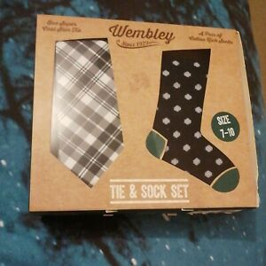 Target Wembly Tie & Sock Set Size 7-10