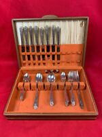 Holmes & Edwards Inlaid Silverplate Flatware Lovely Lady 43 Piece 425