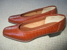 Leather Wear to Work Textured Shoes for Women