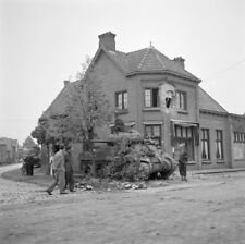 WW2  Photo WWII  British Sherman Tank Liberation of Aalst  World War Two / 1609