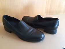 Munro American~9~Narrow Width~SS~Black Leather Loafer