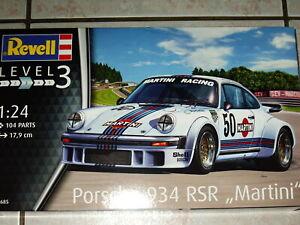 MAQUETTE 1/24 REVELL PORSCHE 911 Type 934 RSR MARTINI