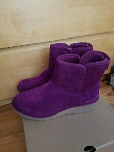 New UGG KRISTIN Boots, Size 9.5