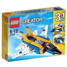 Lego 31042 Thunder high into the sky with the 3-in-1 Super Soarer