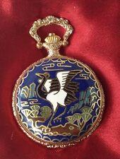 montre style ancienne métal couleur or rodié déco émaille couleur dos gravé