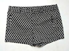 Stylus Women's 12 Black & White Printed Lattice Shorts Flat Front Spring CD1