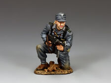 WH079 Kneeling Panzer Grenadier with Schmeisser by King & Country