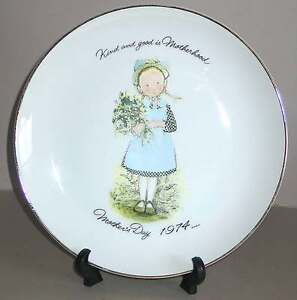 "1974 HOLLY HOBBIE 10.5"" Mother's Day Plate CE Kind & Good is Motherhood FREE SH"
