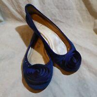 🥿Unisa Ballet Flats sz 8.5 M Blue Suede Leather; ConcentricFlower Embellishment