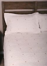 Twin Quilt Set Daisy Embroidered Ivory Gold Cotton Cotton Bedding