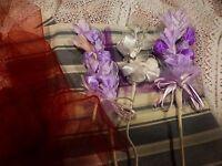 pour création chapeau etc= fleurs tissus blanc,parme+  5m voile chapeau assorti