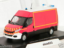 IVECO DAILY 2014 POMPIERS PLONGEURS + 2 FIGURINES + DÉCALs MOMACO 1/43 Ref 120