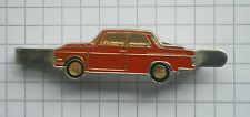 BMW 1600 Rot .... ältere Kravattenklammer / kein Pin (K3)