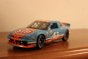 Franklin Mint 1992 Pontiac Grand Prix Richard Petty Stock Car 1:24 scale