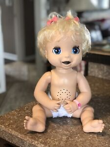 Hasbro Baby Alive 2006 Soft Face Interactive Blond Hair Blue Eyes -Working Nice