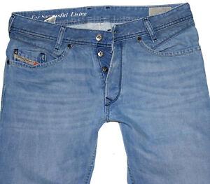 Diesel Herren Jeans IAKOP Regular Slim Tapered W31 L34 blau