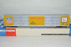 HO scale Walthers Union Pacific RR 86' high cube auto parts box car train