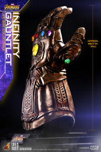 Sideshow Hot Toys Thanos Infinity Gauntlet - Life Size Prop Replica 1:1 Avengers