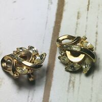 Vintage Crown Trifari Rhinestone Crystal Gold Tone Clip On Earrings