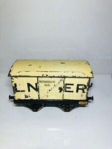 Hornby series LNER refrigerator van O gauge