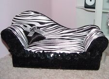 NEW BARBIE ZEBRA CHAISE LOUNGE Sofa Couch Divan Seat OPENS to JEWELRY BOX Bratz