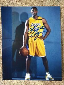 Kobe Bryant autographed 8x10 photo with COA