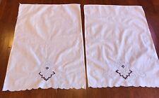 Set of 2 Embroidered Hand Towels Vintage ?