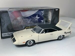 1/18 1970 PLYMOUTH SUPERBIRD IN WHITE BY ERTL 1 OF 2502 GREAT CONDITION