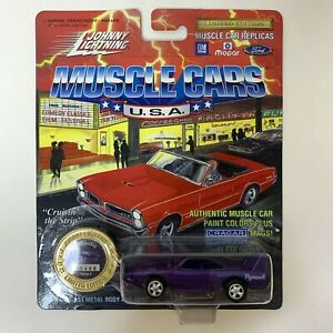 Johnny Lightning 1970 Plymouth Superbird Muscle Cars USA Die Cast Purple NEW