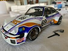EXOTO RACING LEGENDS PORSCHE 934 RSR Schiller Racing Skiwear - NIB 1:18