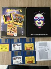 LOT 3 JEUX DEFENDER OF THE CROWN THE THREE STOOGES COMMODORE AMIGA FRANÇAIS